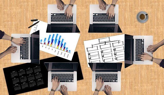 知っておくと便利!ビジネスが加速する情報共有ツール8選
